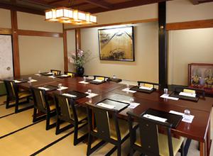 桐の間(テーブル)