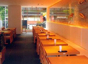 テーブル席(40席)